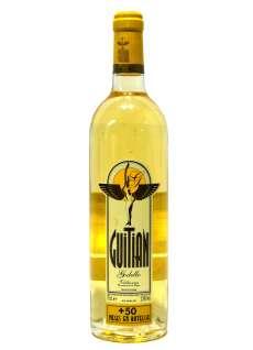 Caso dos vinhos brancos Guitián + de 50 Meses