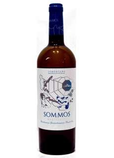 Caso dos vinhos brancos Sommos Varietales Blanco